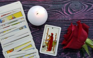 The Two of Wands tarot card meanings